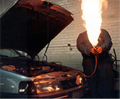 Demonstration of releasing HC refrigerant from a vehicle