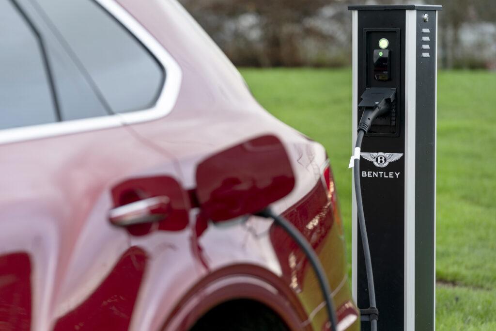 Bentley Bentayga hybrid charging