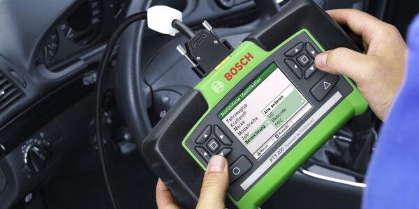 Car companies drag repair data sharing chain